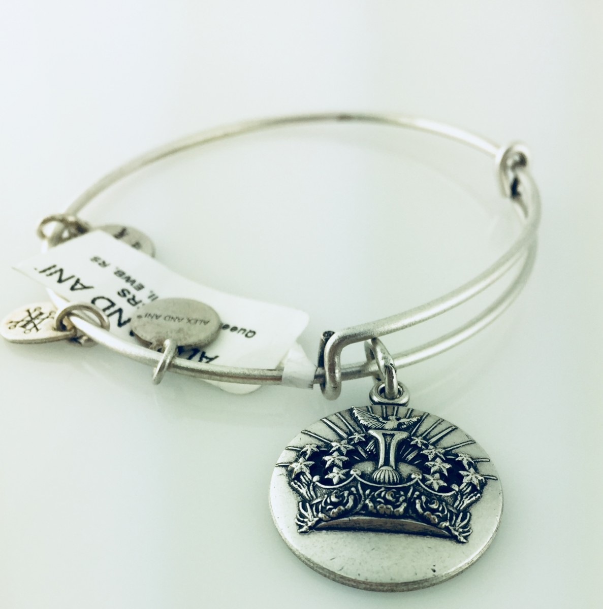 Alex And Ani Queen S Crown Pendant Bracelet